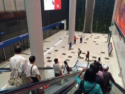香港国際空港地下